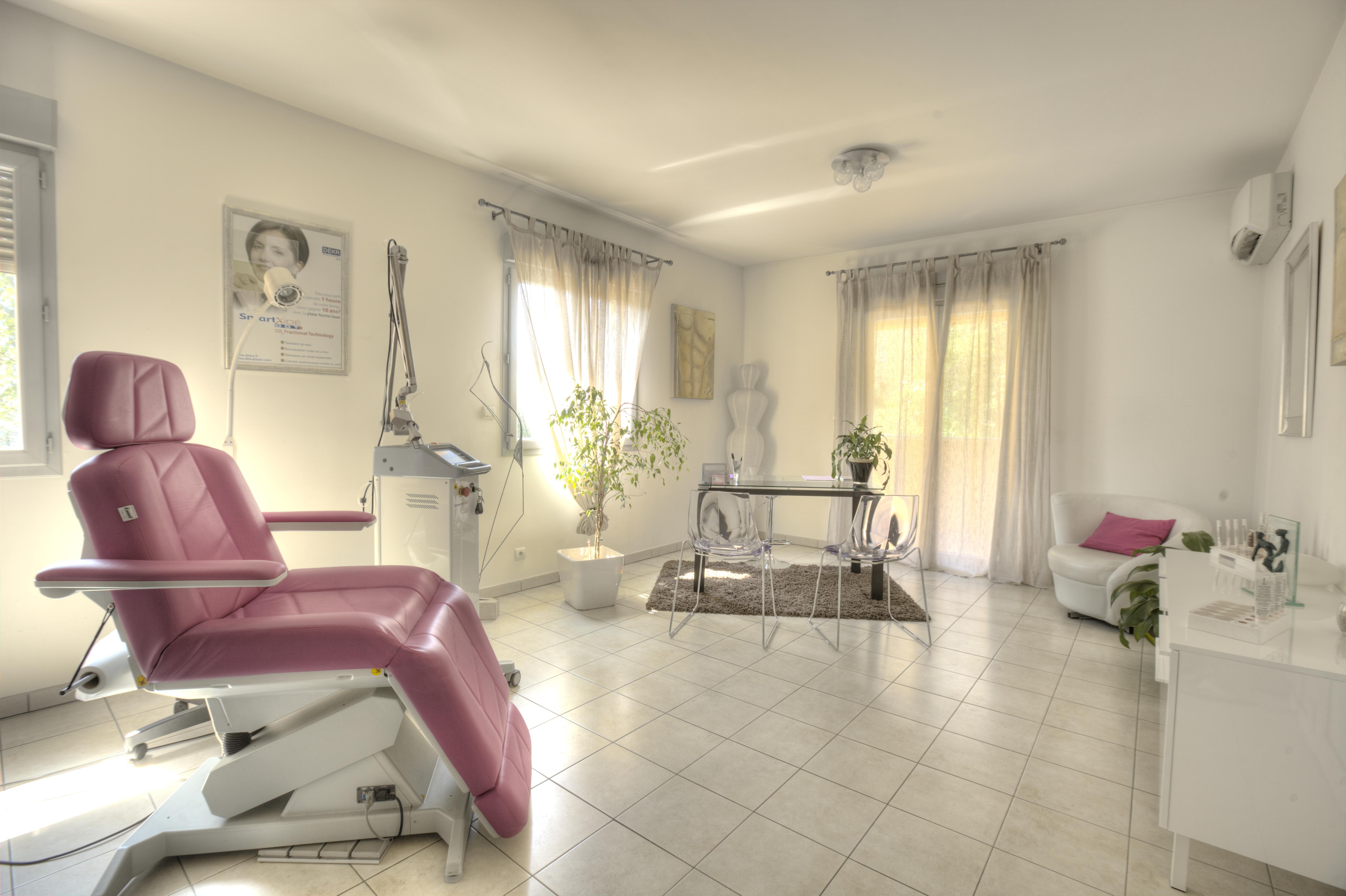 cabinet de soins et de consultation docteur sandra ugolini m decine esth tique grasse. Black Bedroom Furniture Sets. Home Design Ideas